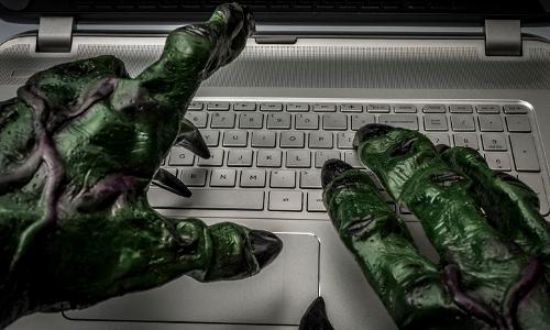 troll's hands on keyboard
